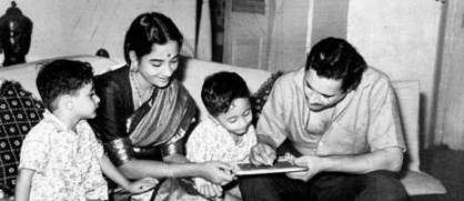 Geeta-Dutt-Guru-Dutt-with-their-sons